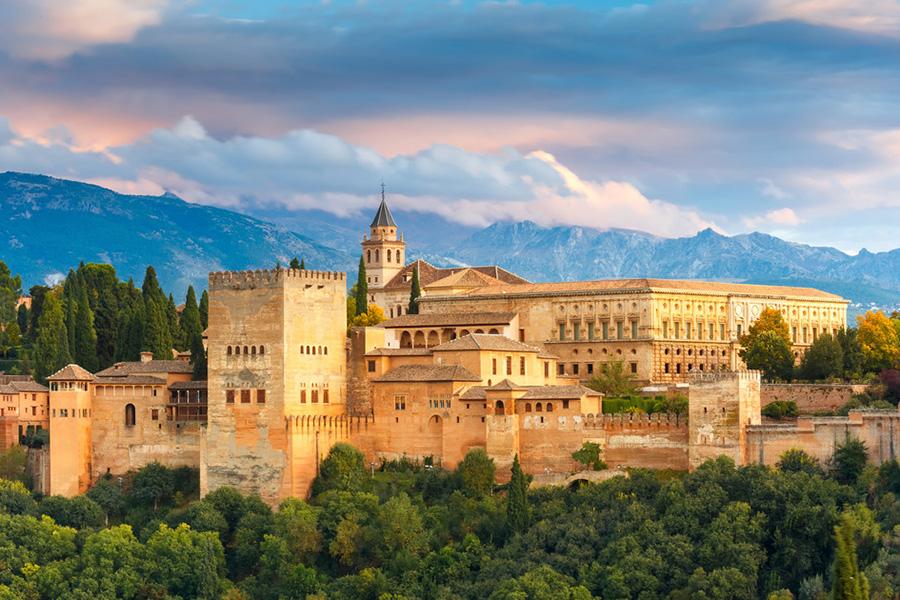 Granada <br/><i class=